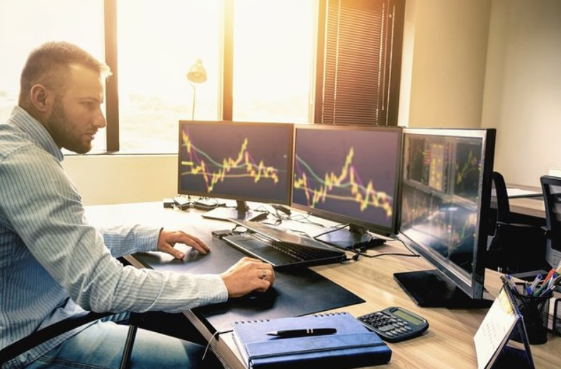 Creating A Well-Balanced Stock Trading Strategy Like A Pro Trader